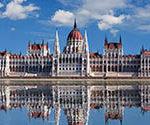 Авиабилеты: из Москвы в Будапешт туда-обратно 5000 рублей.