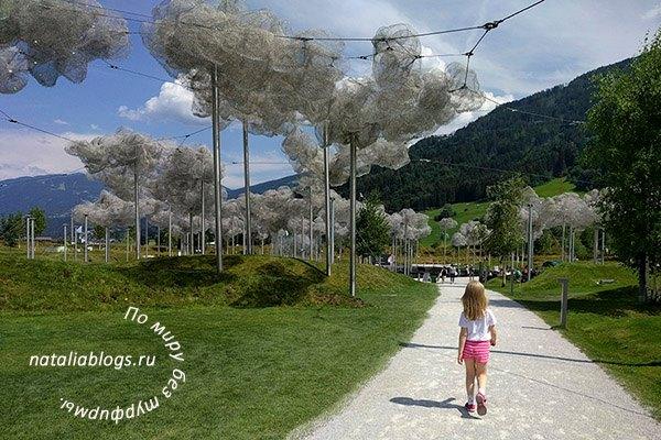 музей Сваровски в Австрии летом 2018. Волшебные сады