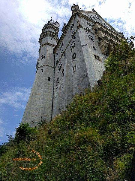 Замок Нойшванштайн Дисней скопировал для своей заставки