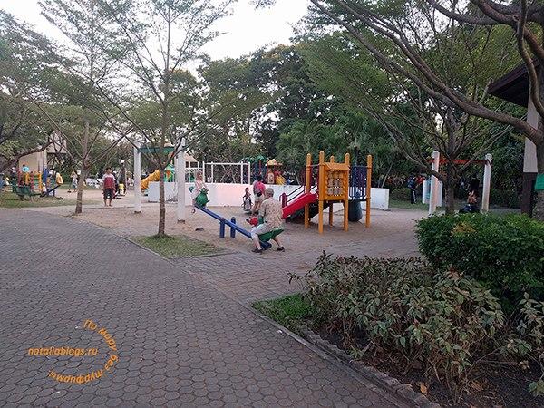 Три дня в Бангкоке. Что посмотреть. Парки. King Rama IX Park