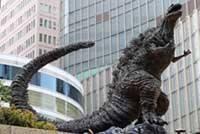 Что посмотреть в Токио с детьми. Godzilla Statue у Hibiya Chanter