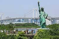 Копия Статуи свободы в Токио на острове Одайба